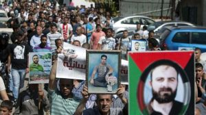 Palestinians hold a massive demonstration in East al-Quds (Jerusalem) on May 5, 2012 to demand the release of Palestinian prisoners in Israeli prisons.