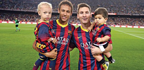 Neymar and Messi with their kids at Barcelona