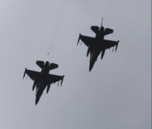 Two F-16s flying over peaceful Dublin on a quiet Saturday afternoon