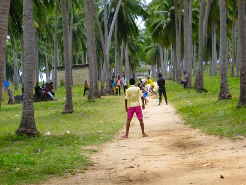 Nihaveli Beach Road, Trincomalee, Sri Lanka. Photo by Tony Seed (Click to enlarge)
